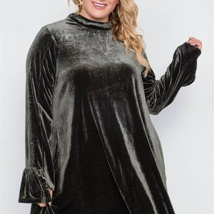 Dresses & Skirts - Plus Size Velvet Long Sleeve Mini Dress